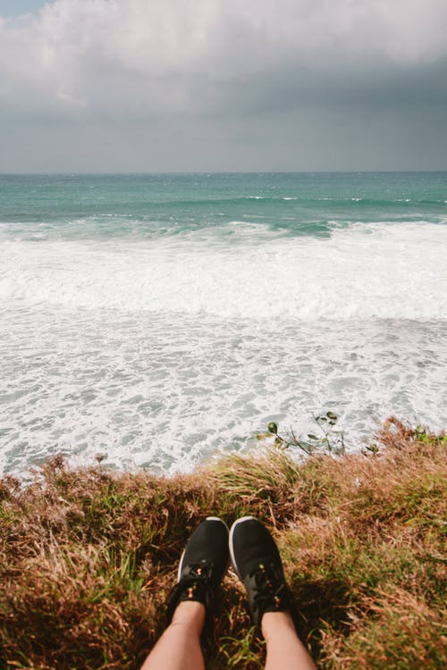 Ingyenes stockfotó cipő, ég, felhők, hullámok témában