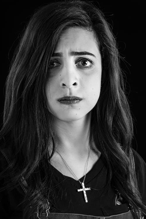 Бесплатное стоковое фото с волос, выражение лица, глаза, губы