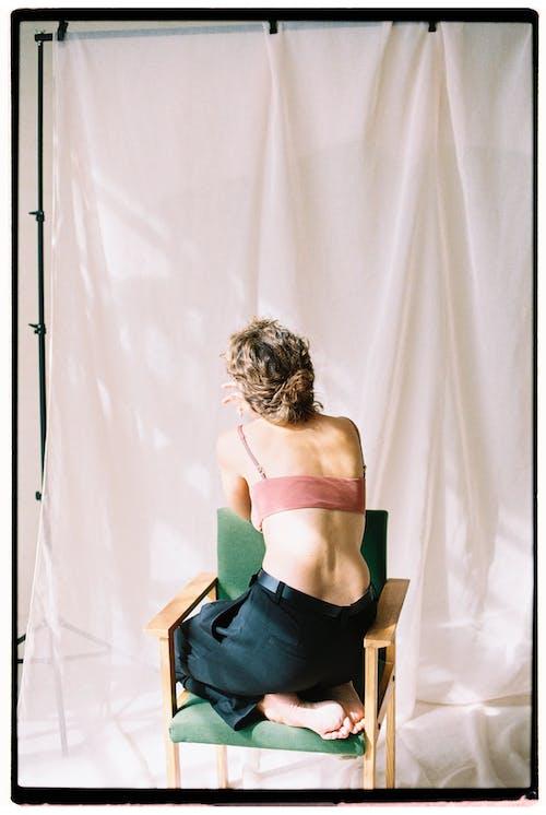 Foto profissional grátis de cadeira, cátedra, dentro de casa