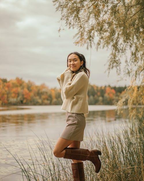 Бесплатное стоковое фото с берег реки, Взрослый, выражение лица