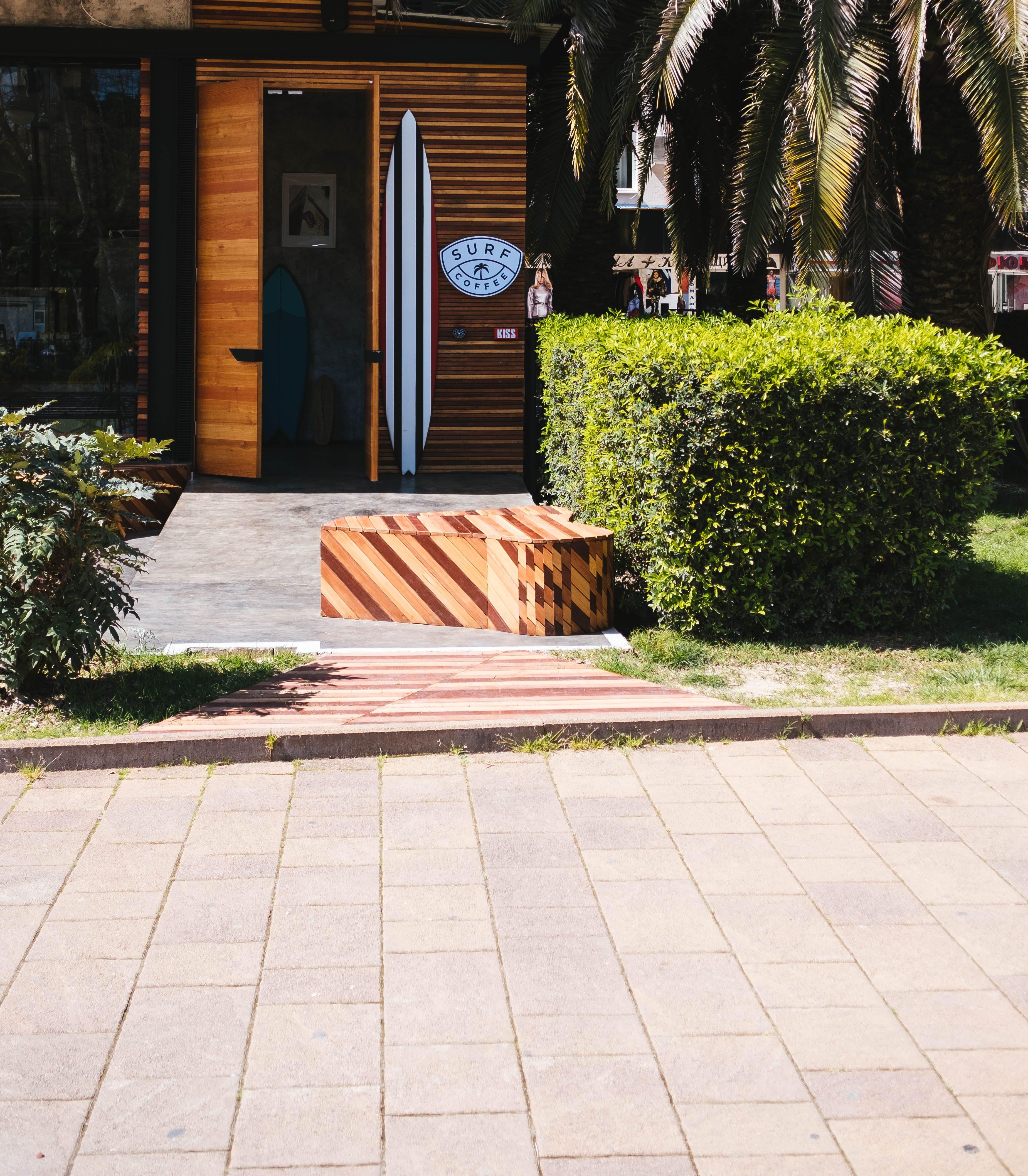 Foto d'estoc gratuïta de arbre, arbres, arbustos, banc
