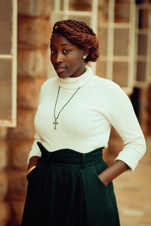 Afro-Amerikaanse vrouw, binnen, binnenshuis