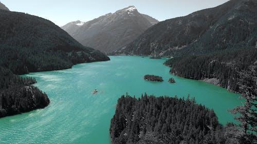 Δωρεάν στοκ φωτογραφιών με από πάνω, βουνό, γραφικός, νερό