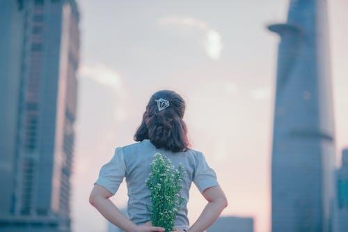 Бесплатное стоковое фото с башни, бриллиант, букет цветов, Взрослый