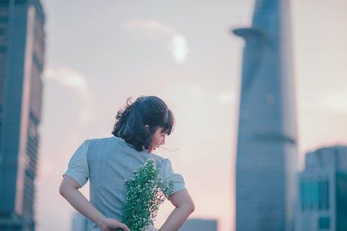 Бесплатное стоковое фото с глубина резкости, город, городской, девочка