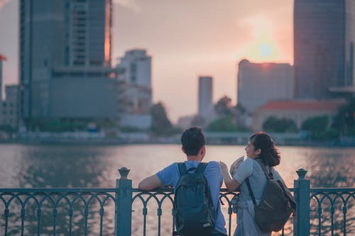 Fotobanka sbezplatnými fotkami na tému architektúra, budovy, chlapec, denné svetlo