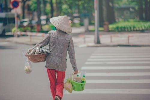 Fotobanka sbezplatnými fotkami na tému akcia, chodec, chodník, človek