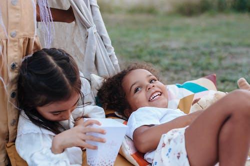 Безкоштовне стокове фото на тему «дитинство, діти, міміка»