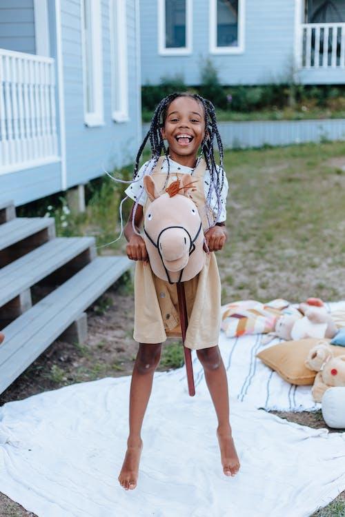 Безкоштовне стокове фото на тему «гра, дитинство, Дівчина»