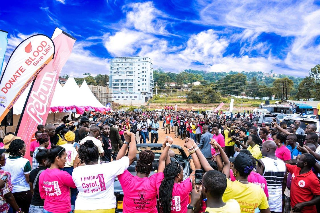 dav ľudí, denné svetlo, festival