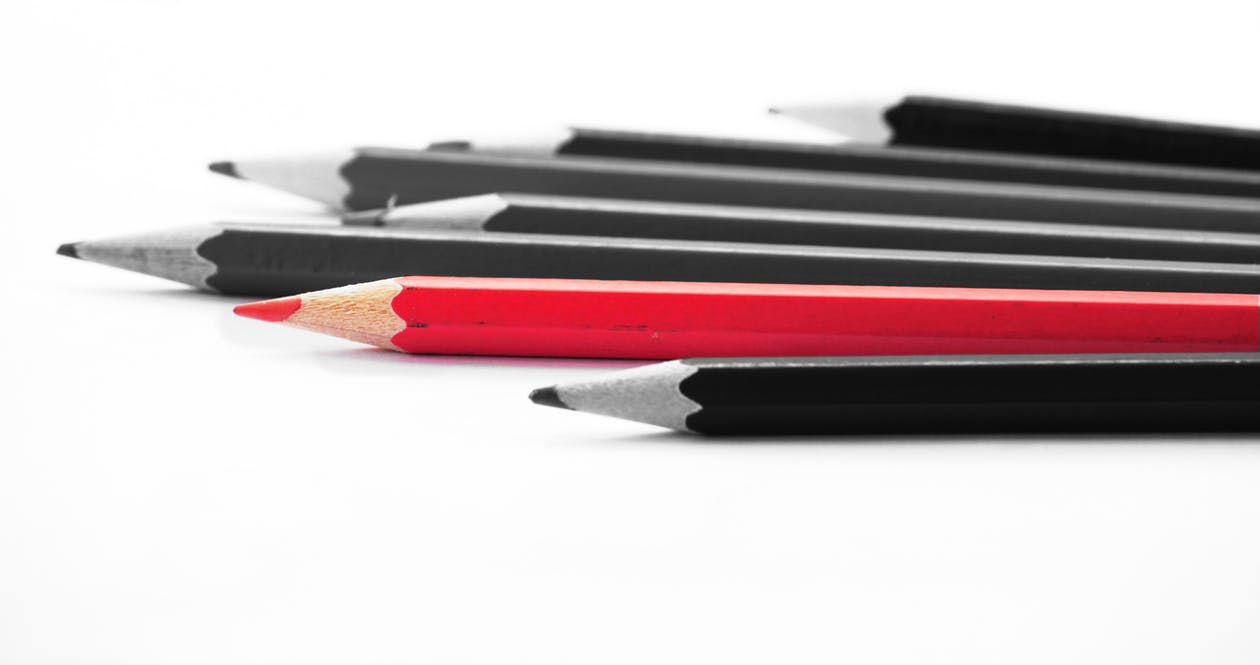 ceruzka, červená, čiernobiely