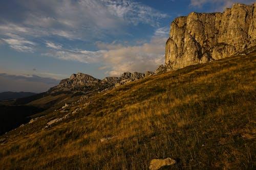 Бесплатное стоковое фото с геология, горы, гряда, дневной свет