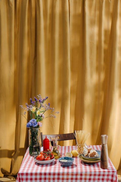 Fotobanka sbezplatnými fotkami na tému cestoviny, Copyspace, jedálenský stôl