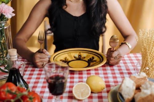 Fotobanka sbezplatnými fotkami na tému cestoviny, jedálenský stôl, koncept