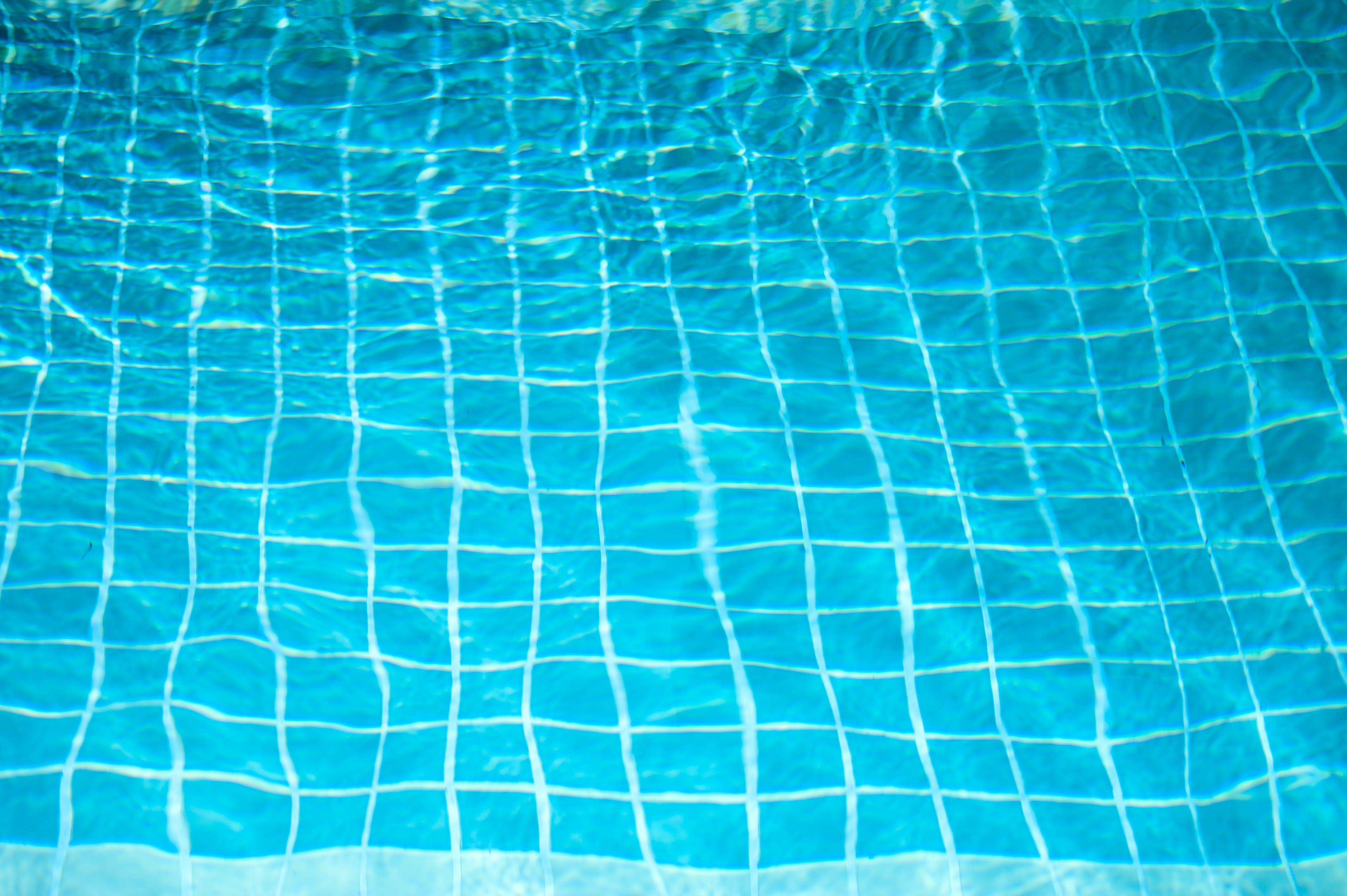 Kostenloses Stock Foto zu design, einbaum-pool, fliesen, h2o