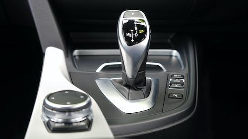Gratis stockfoto met auto-interieur, binnenkant auto, schakelen, schakeling
