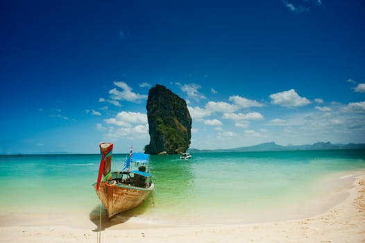 Go canoeing in the Phang Nga Bay - Thailand