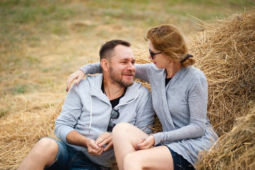 10 trick on how to build a lasting relationship with your spouse