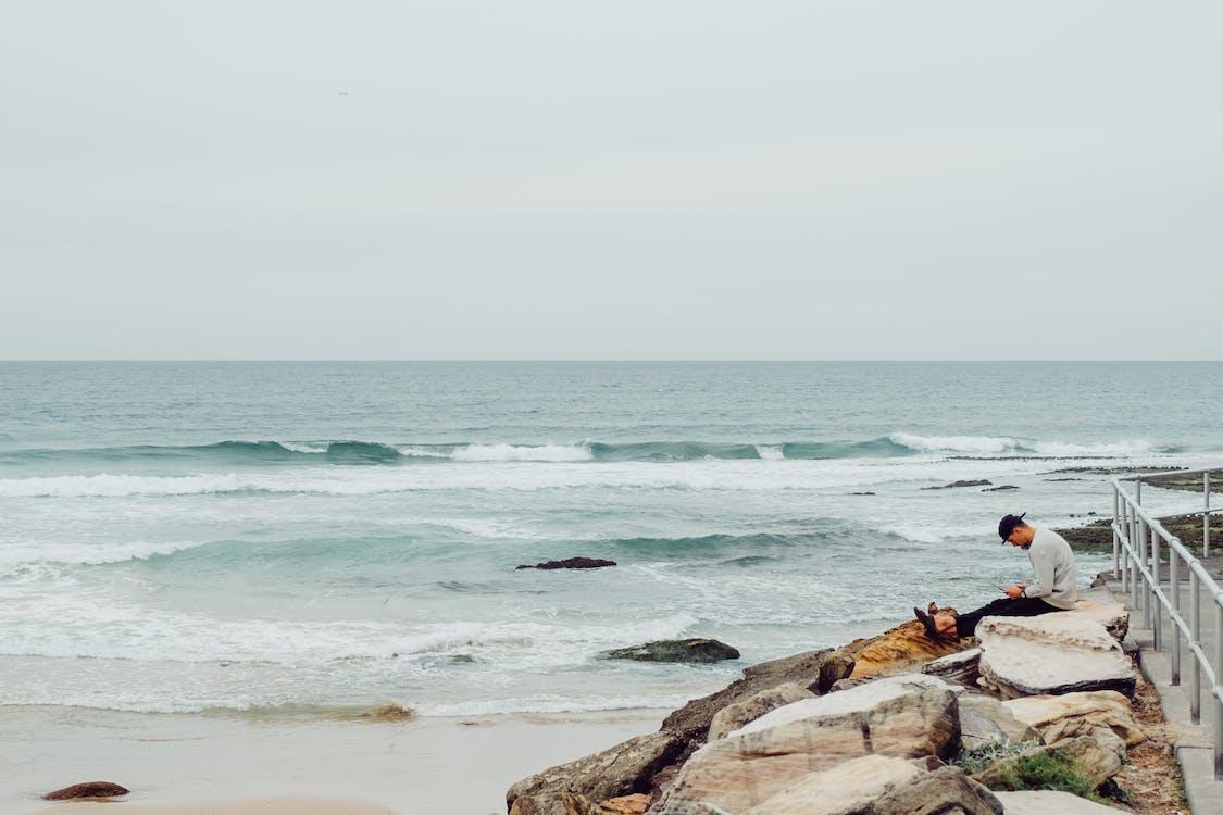 aallot, henkilö, hiekkaranta