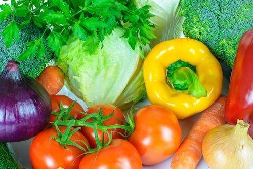 Základová fotografie zdarma na téma antioxidanty, čerstvý, červený pepř, cibule