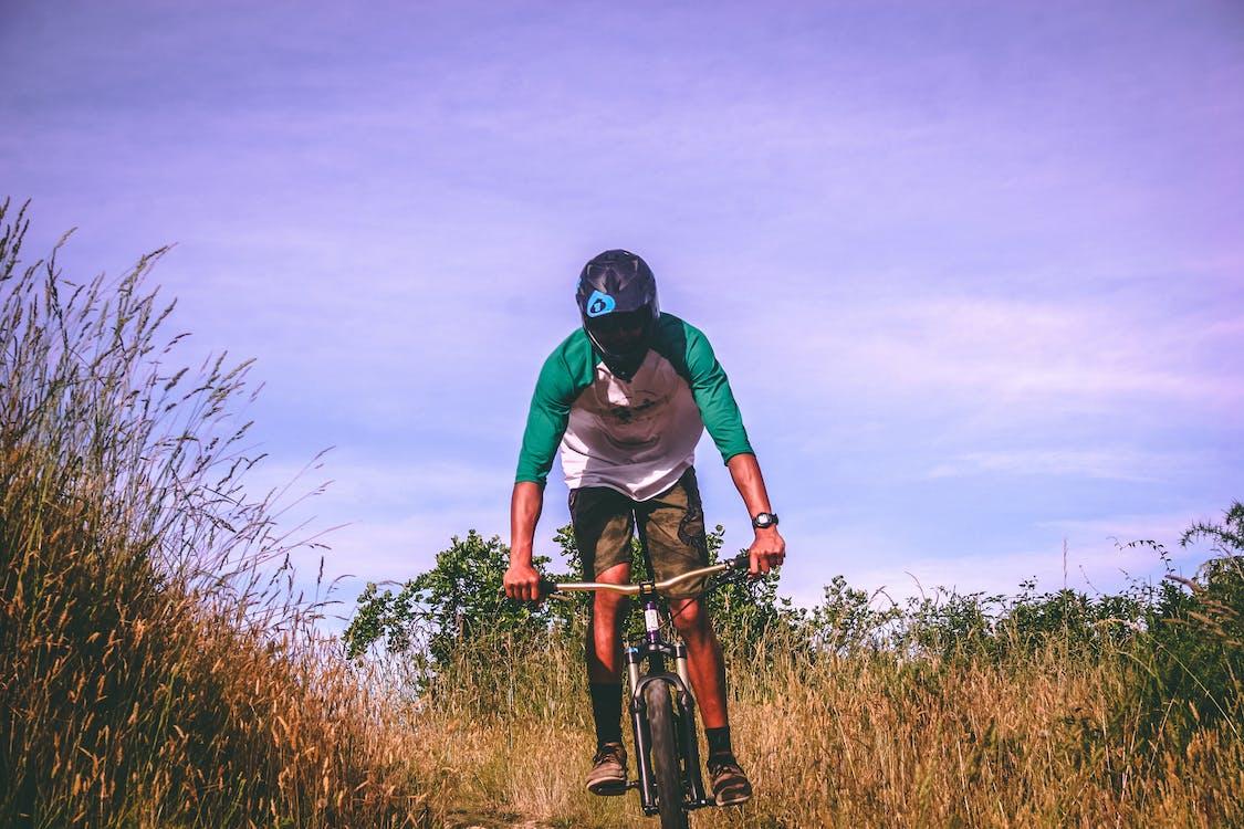 adulto, andando in mountain bike, andare in bicicletta