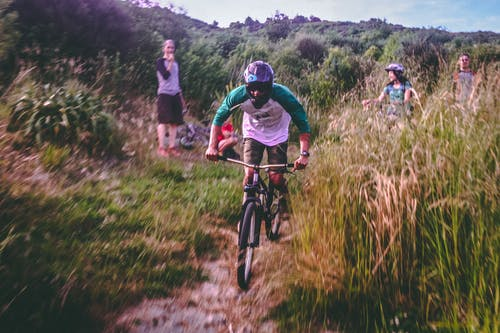 Foto stok gratis anak laki-laki, bersepeda, bersepeda gunung, bmx