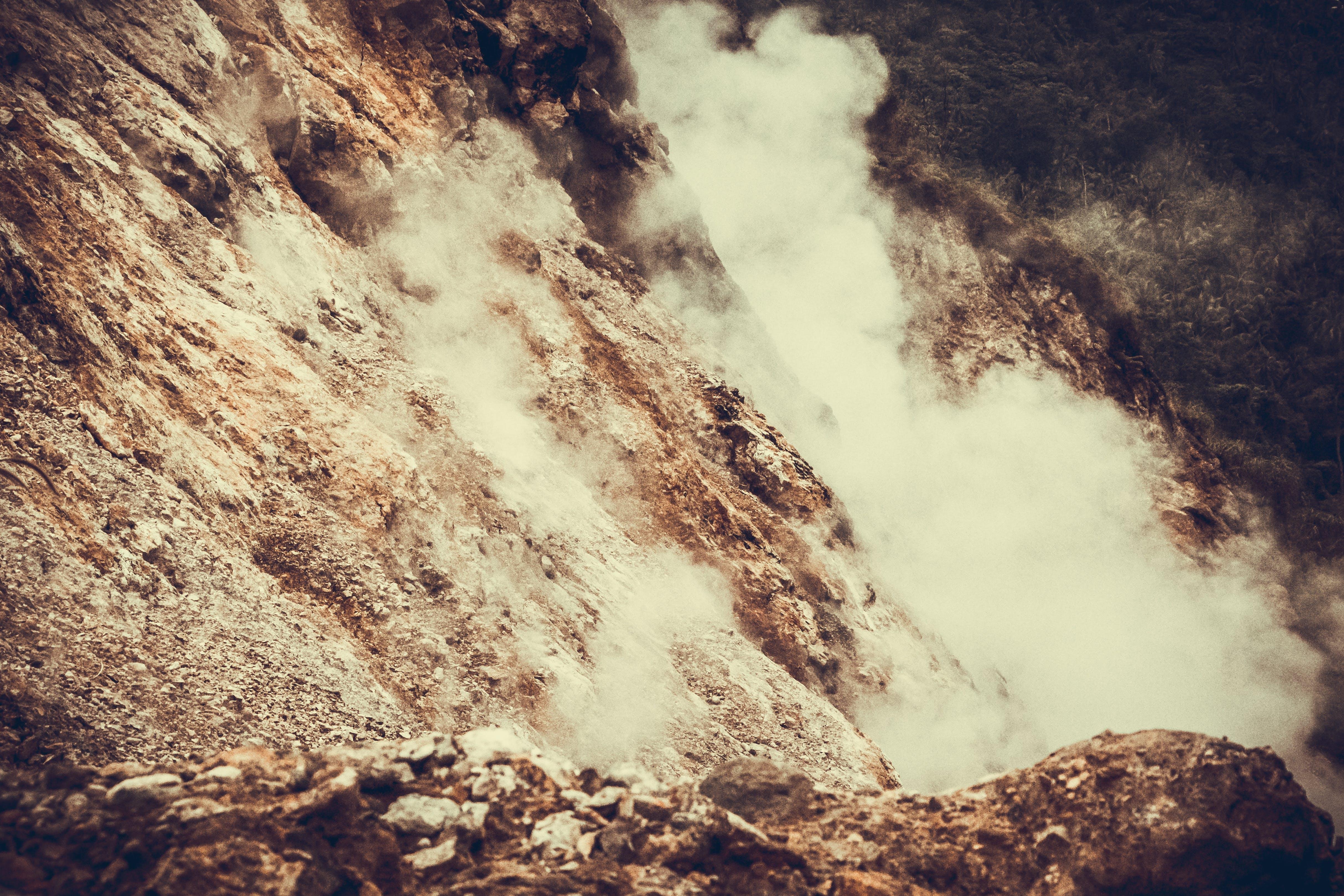 Foto d'estoc gratuïta de formació rocosa, geologia, muntanya, pendent