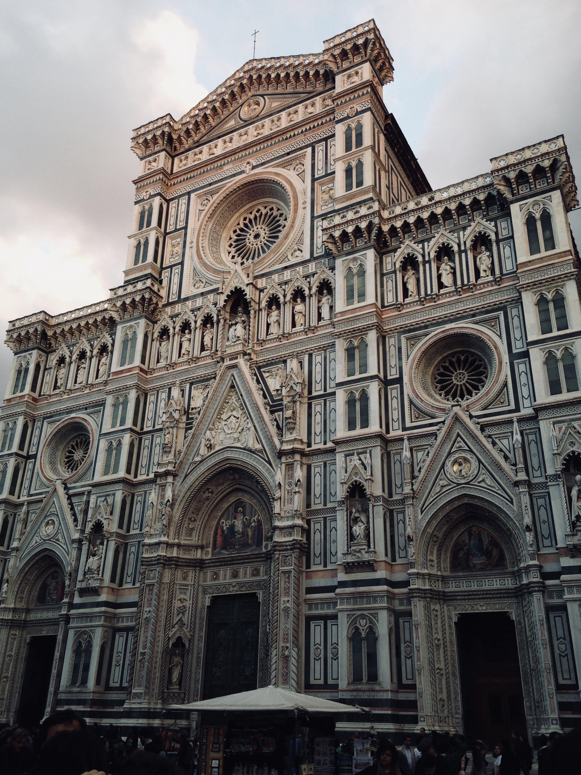 antik, bina, kilise, mimari içeren Ücretsiz stok fotoğraf