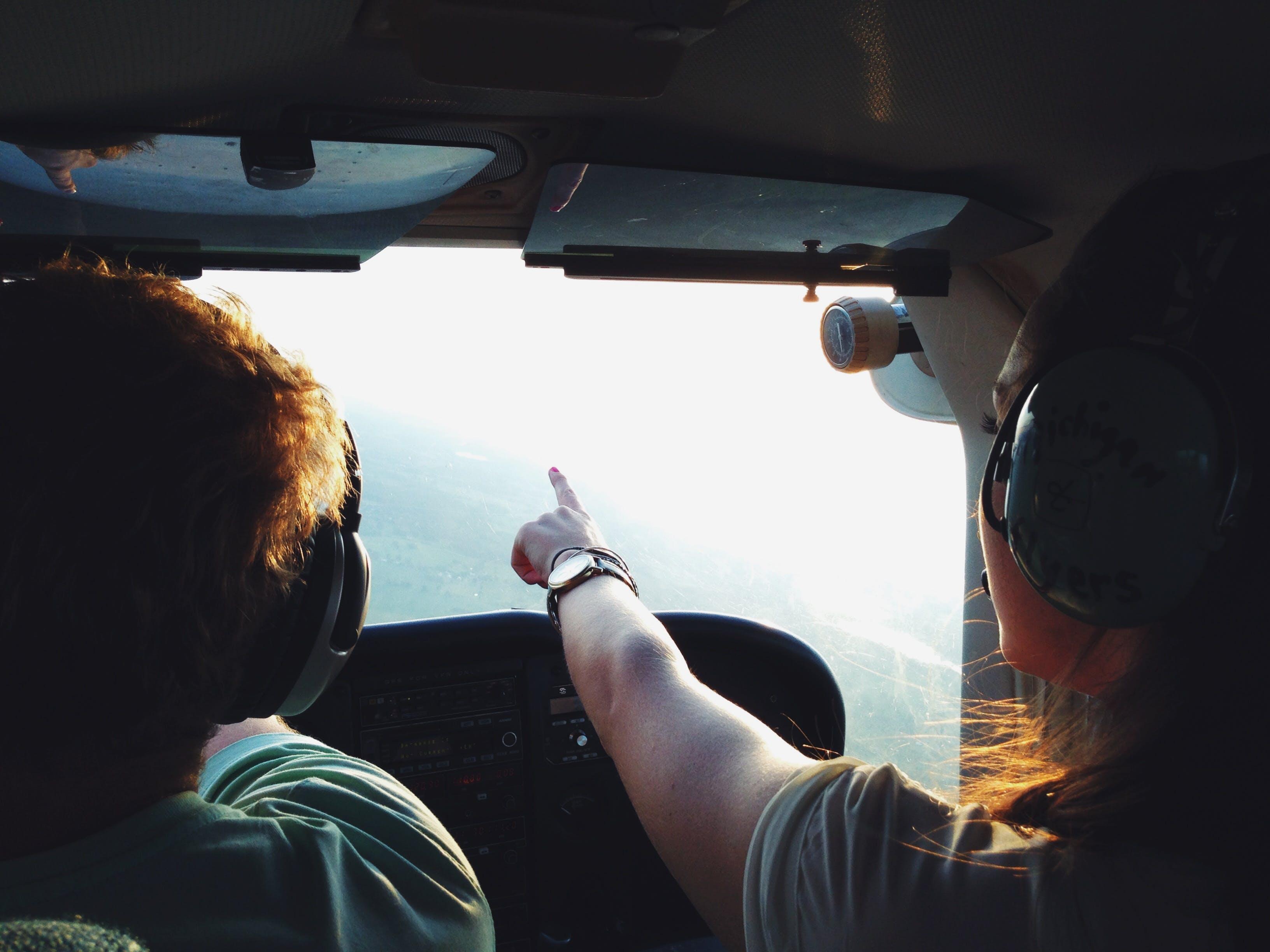Foto d'estoc gratuïta de cabina, gent, pilot, vol