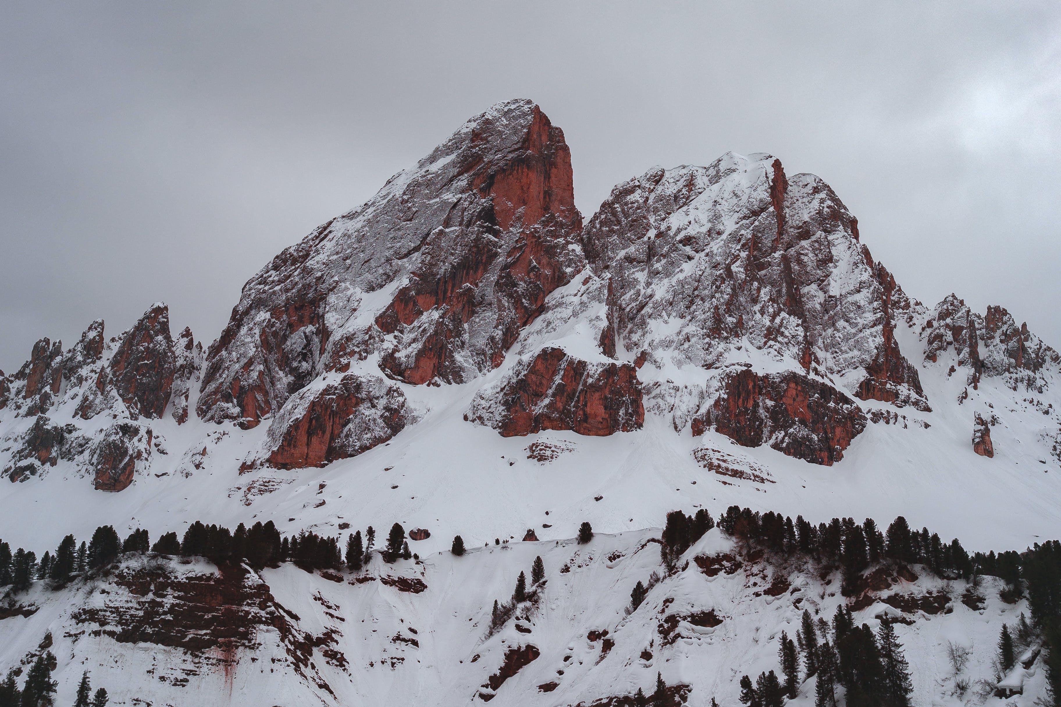 Δωρεάν στοκ φωτογραφιών με βουνό, βουνοκορφή, βράχια, βραχώδες βουνό