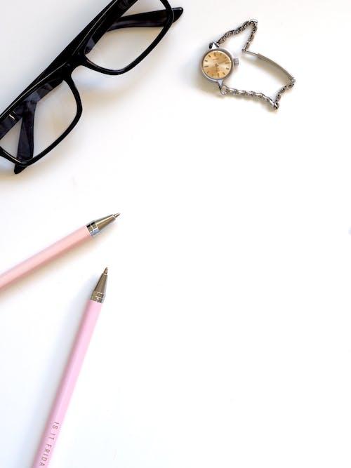 Flatlay, 工作場所, 時間, 書桌 的 免费素材照片
