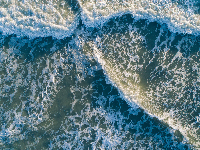 Foto d'estoc gratuïta de acomiadar-se, aigua, fer surf, mar