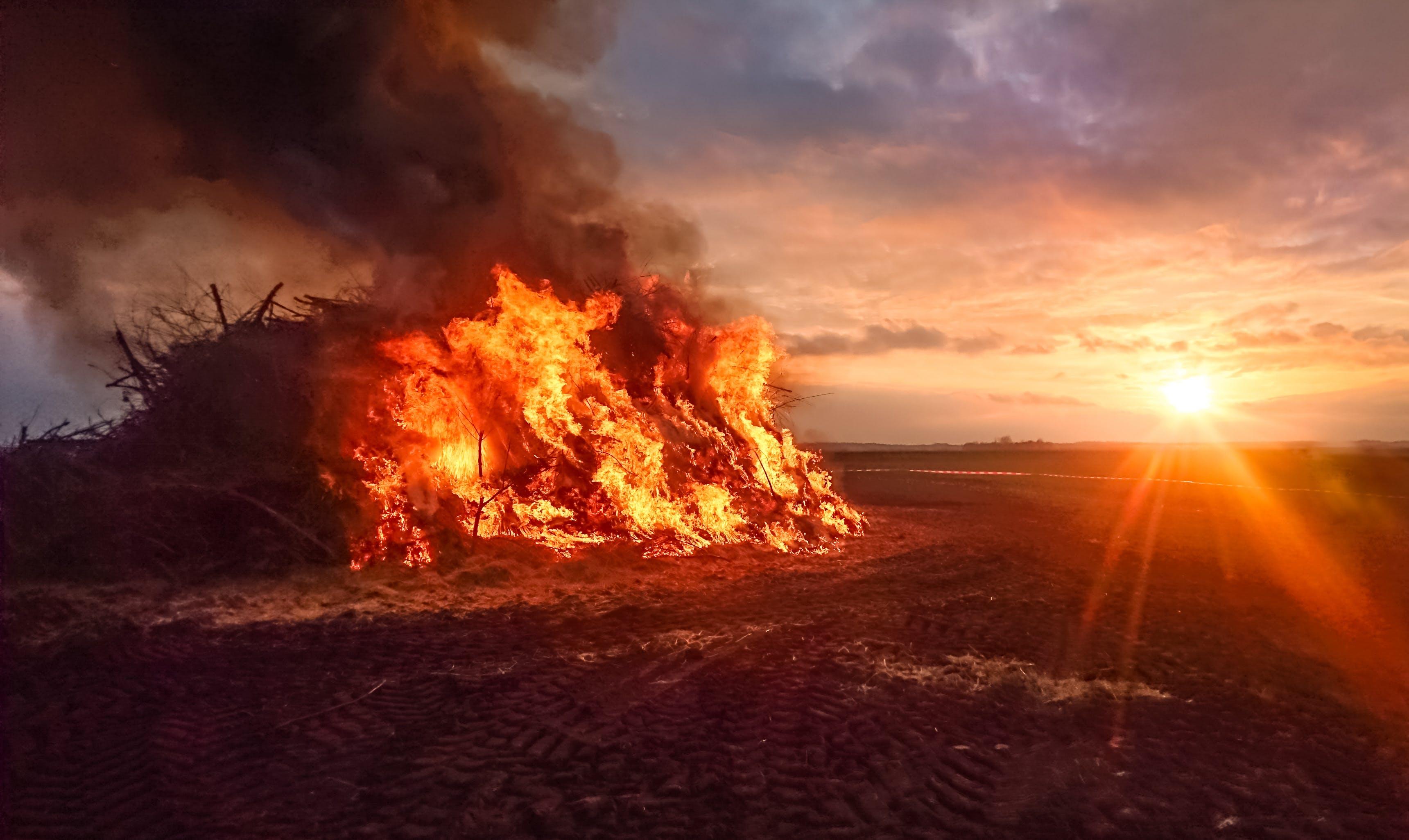 Foto profissional grátis de água, alvorecer, ardente, calamidade