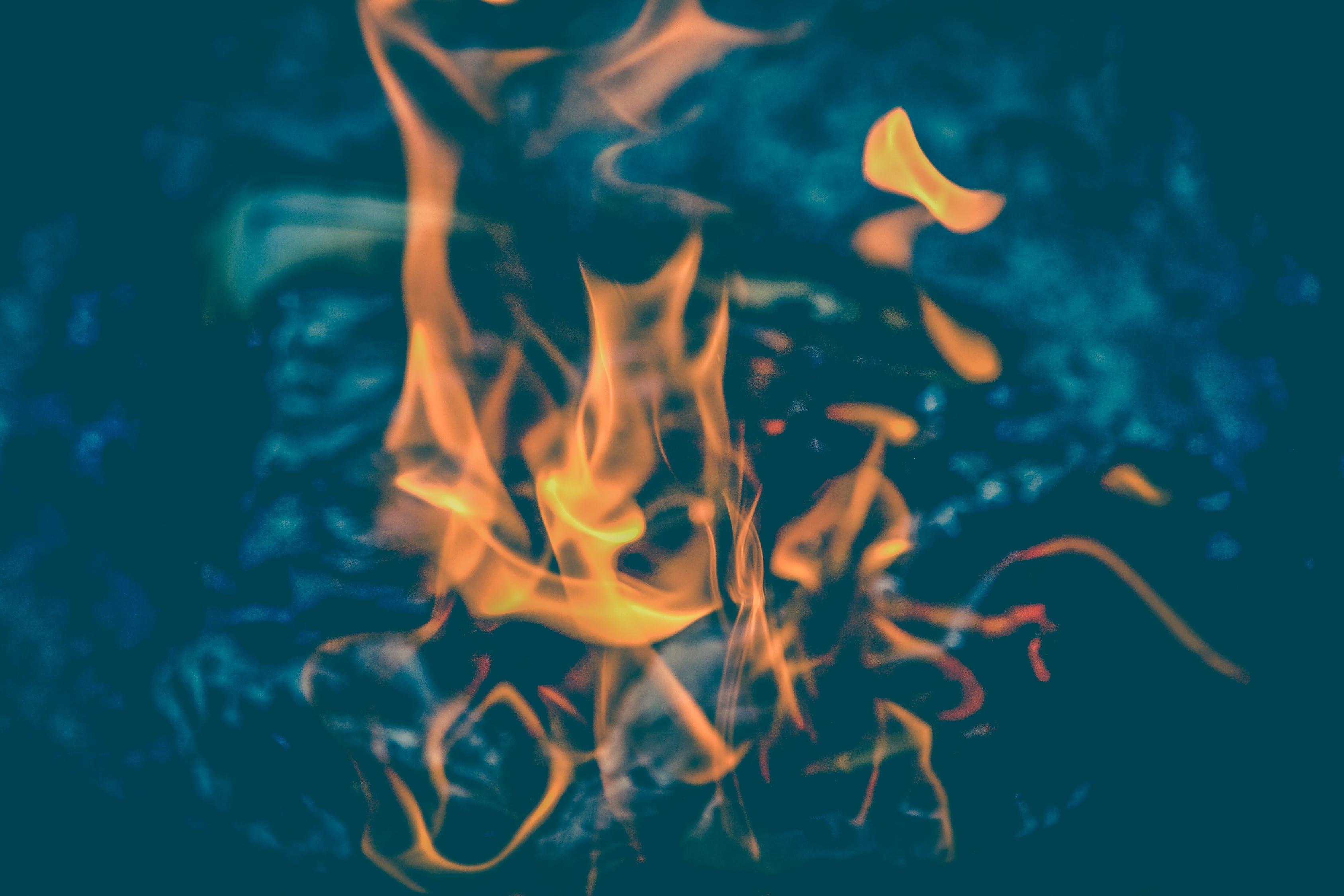 女人梦见着火代表什么 女人梦见着火啥意思
