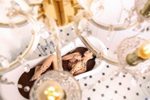 bardak, cam, çikolata, kadeh içeren Ücretsiz stok fotoğraf