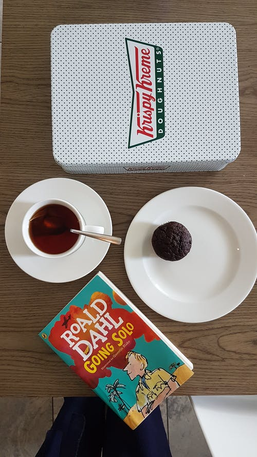 Fotos de stock gratuitas de café, café negro, dónuts, fiesta del té
