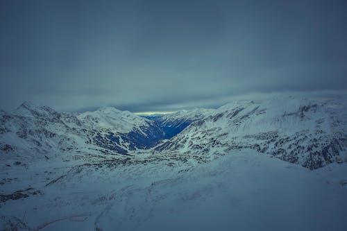 Ingyenes stockfotó hegyek, hegylánc, hideg, hó témában