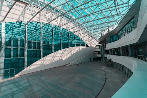 Безкоштовне стокове фото на тему «аеропорт, архітектура, архітектурне проектування, бізнес»