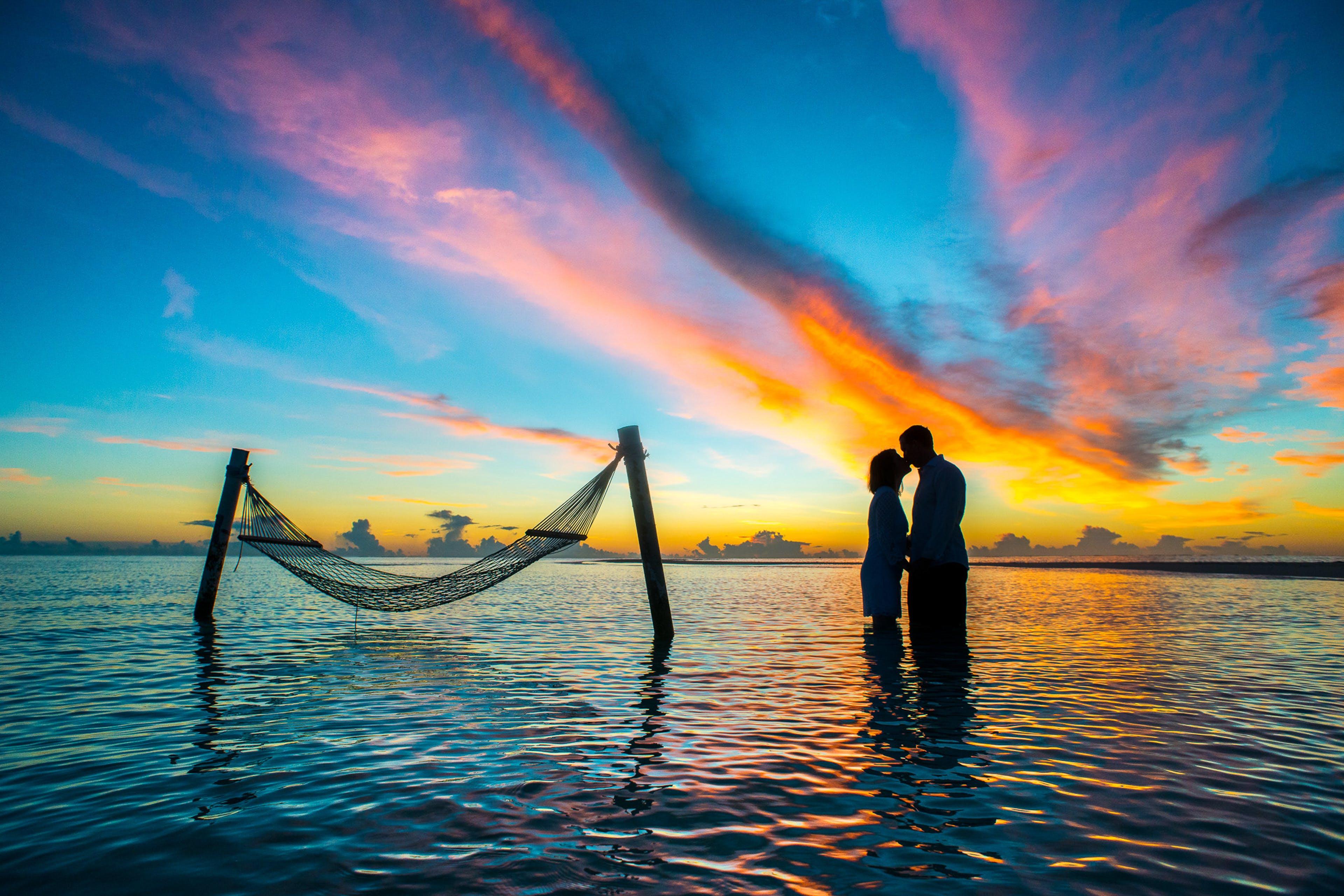 Foto stok gratis air, bulan madu, cinta, couple goal