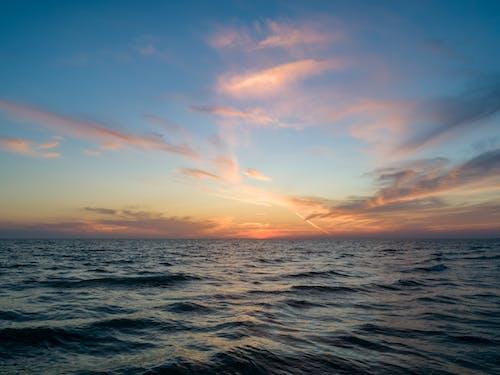 Fotobanka sbezplatnými fotkami na tému horizont, krajina pri mori, kývať, modrá