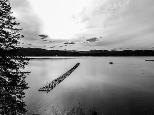 Ingyenes stockfotó fekete-fehér, hajóm csónak, hegy, híd témában