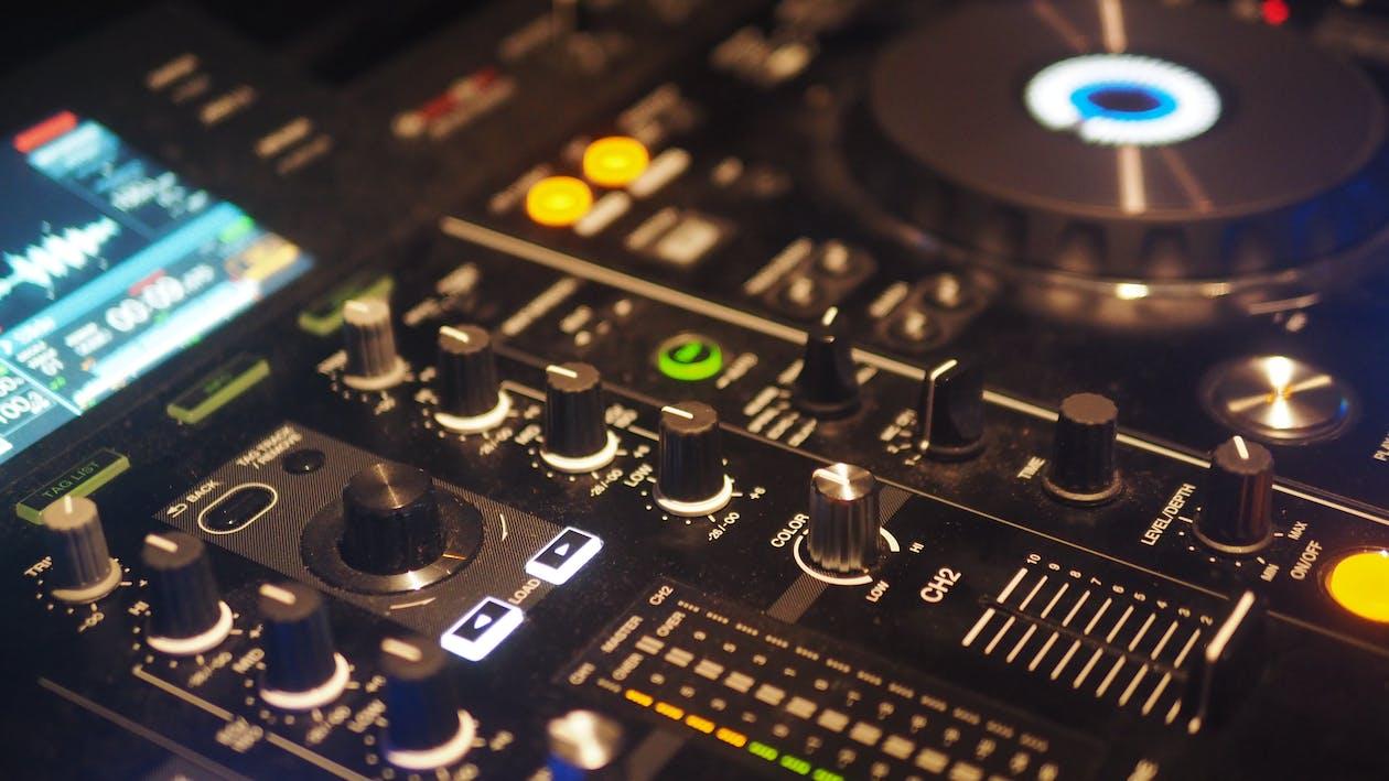 DJ, djデッキ, DJミキサーの無料の写真素材
