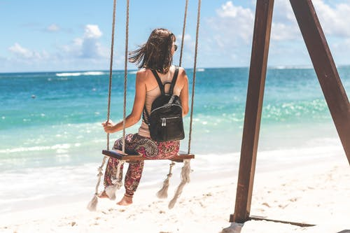 Foto d'estoc gratuïta de balança, bossa, cartera, contrast