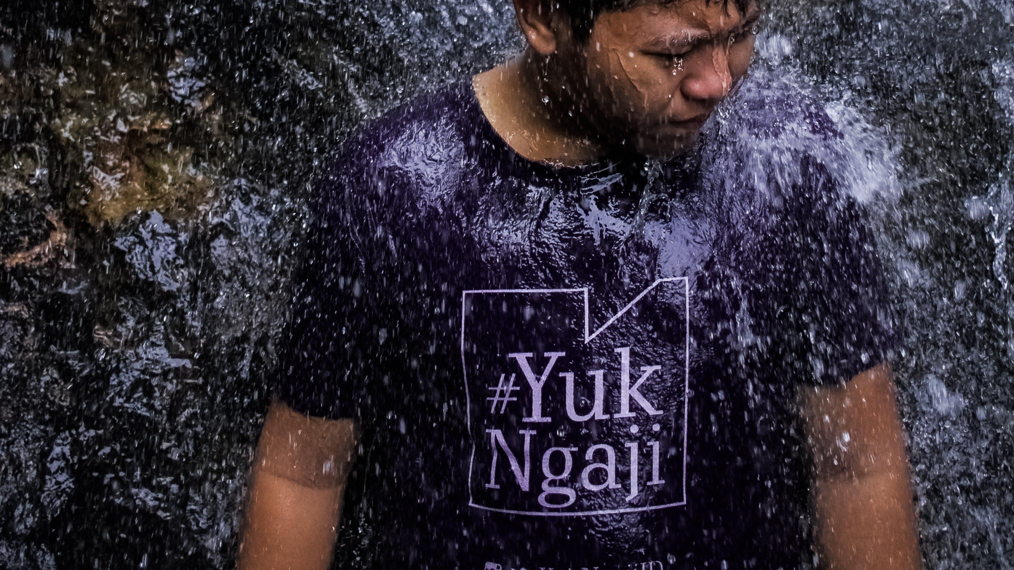 Gratis lagerfoto af asiatisk dreng, muslim, sprøjt, vandsprøjt