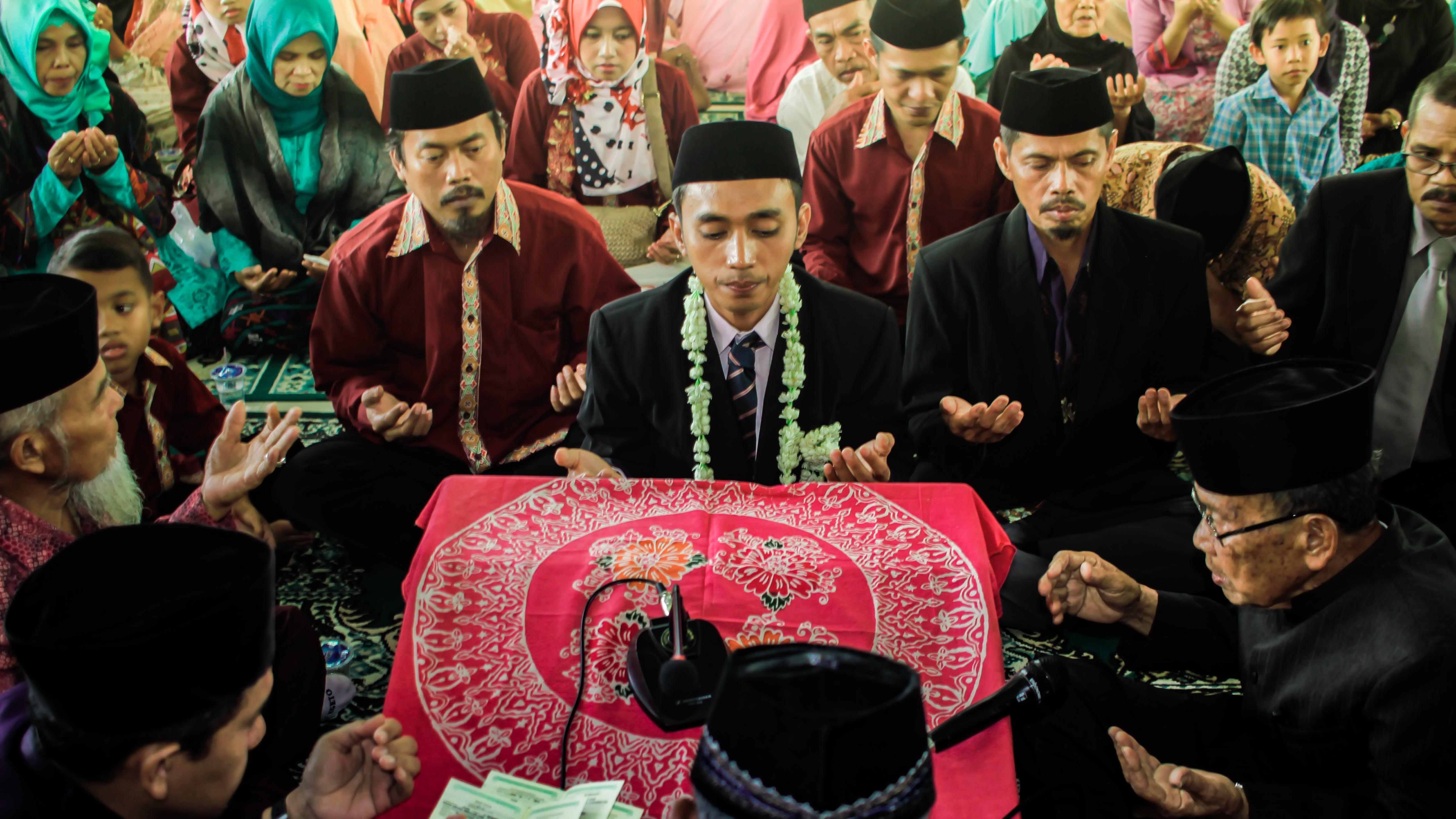 Gratis lagerfoto af bede, muslim, ægteskab