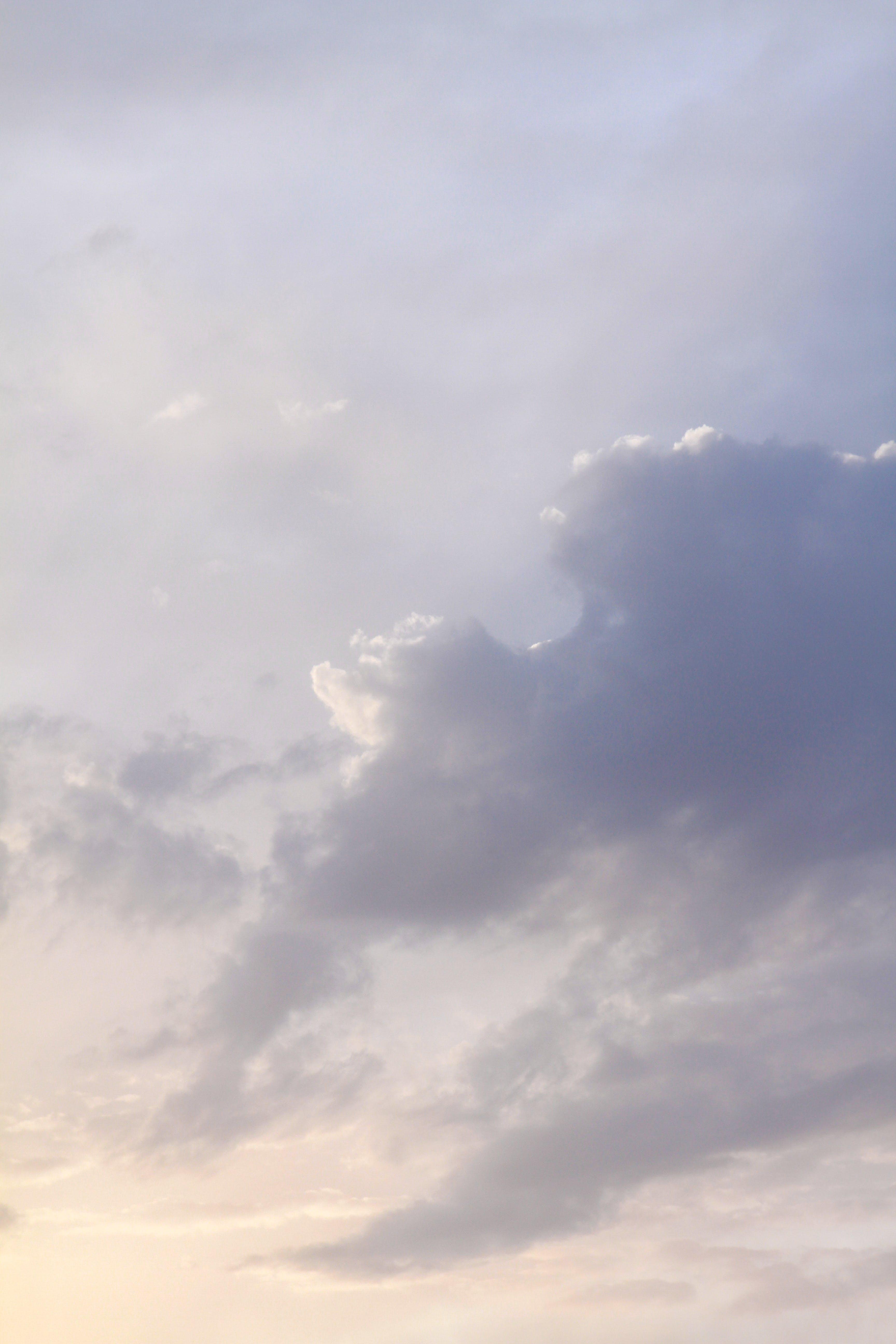 Foto d'estoc gratuïta de alt, cel, ennuvolat, idíl·lic
