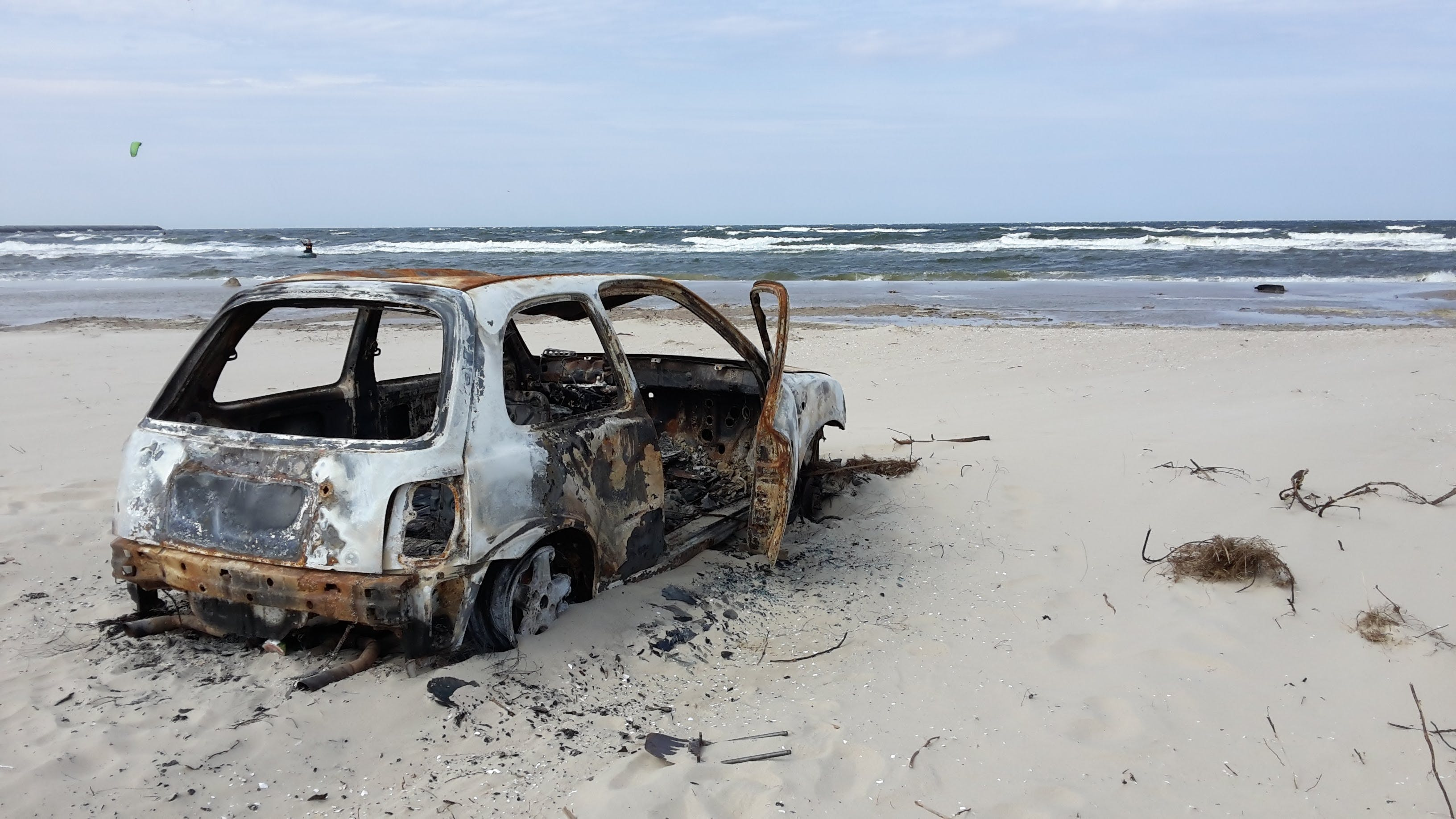 beach, burnt, car
