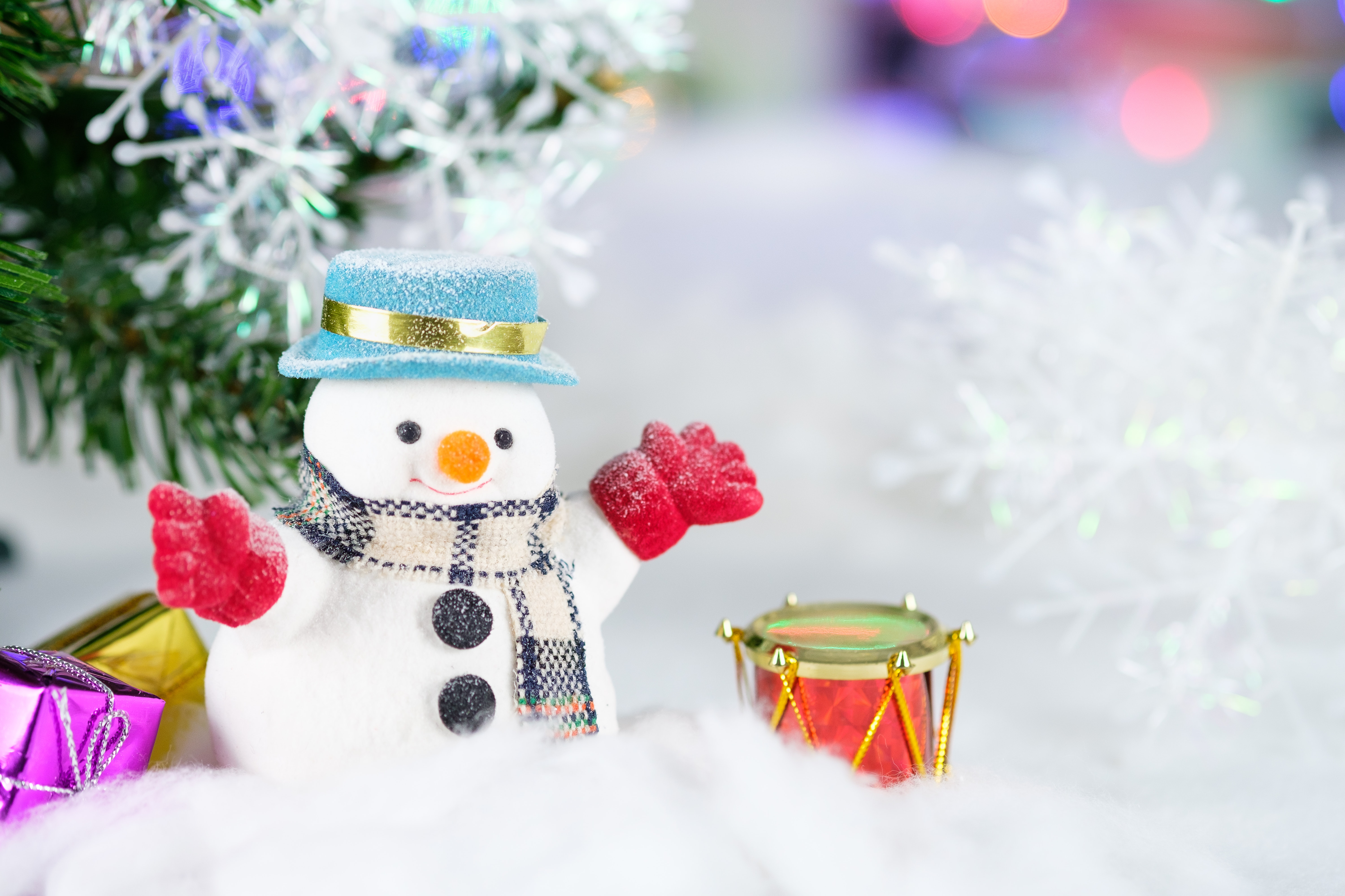 Christmas Drum Decor.Snowman And Drum Decor Free Stock Photo