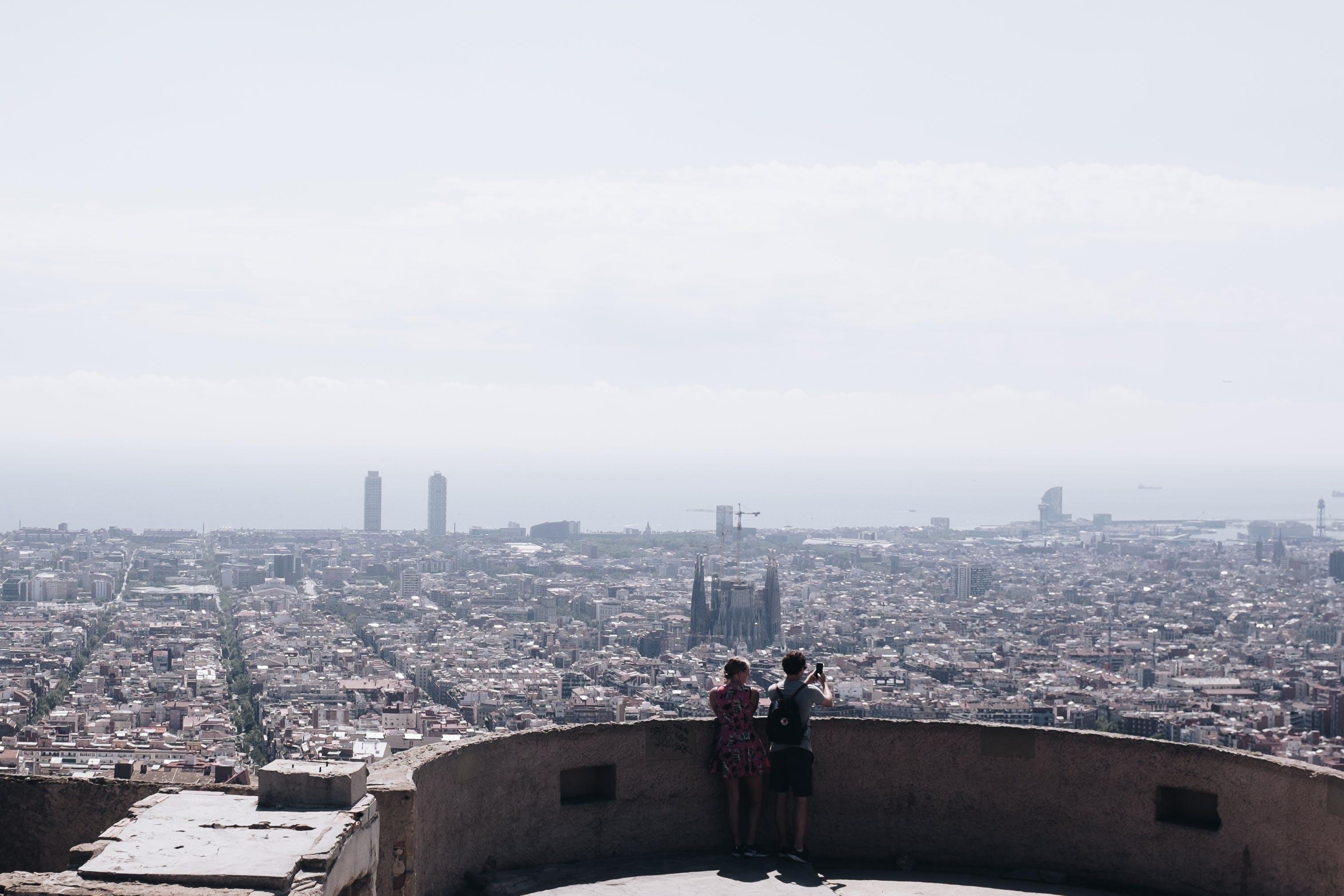 Kostenloses Stock Foto zu stadt, landschaft, himmel, menschen