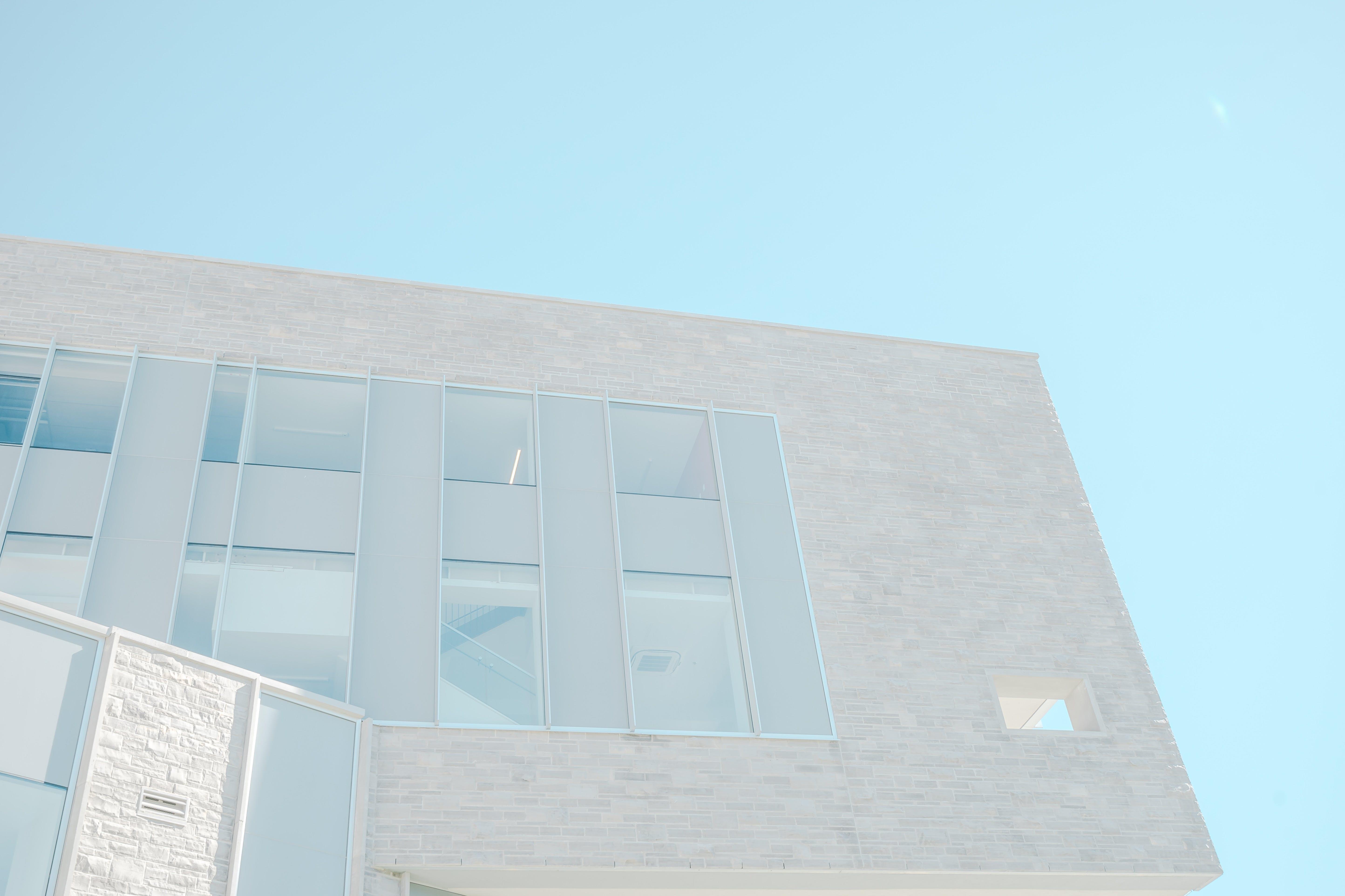 ガラスアイテム, モダンな建物, 壁